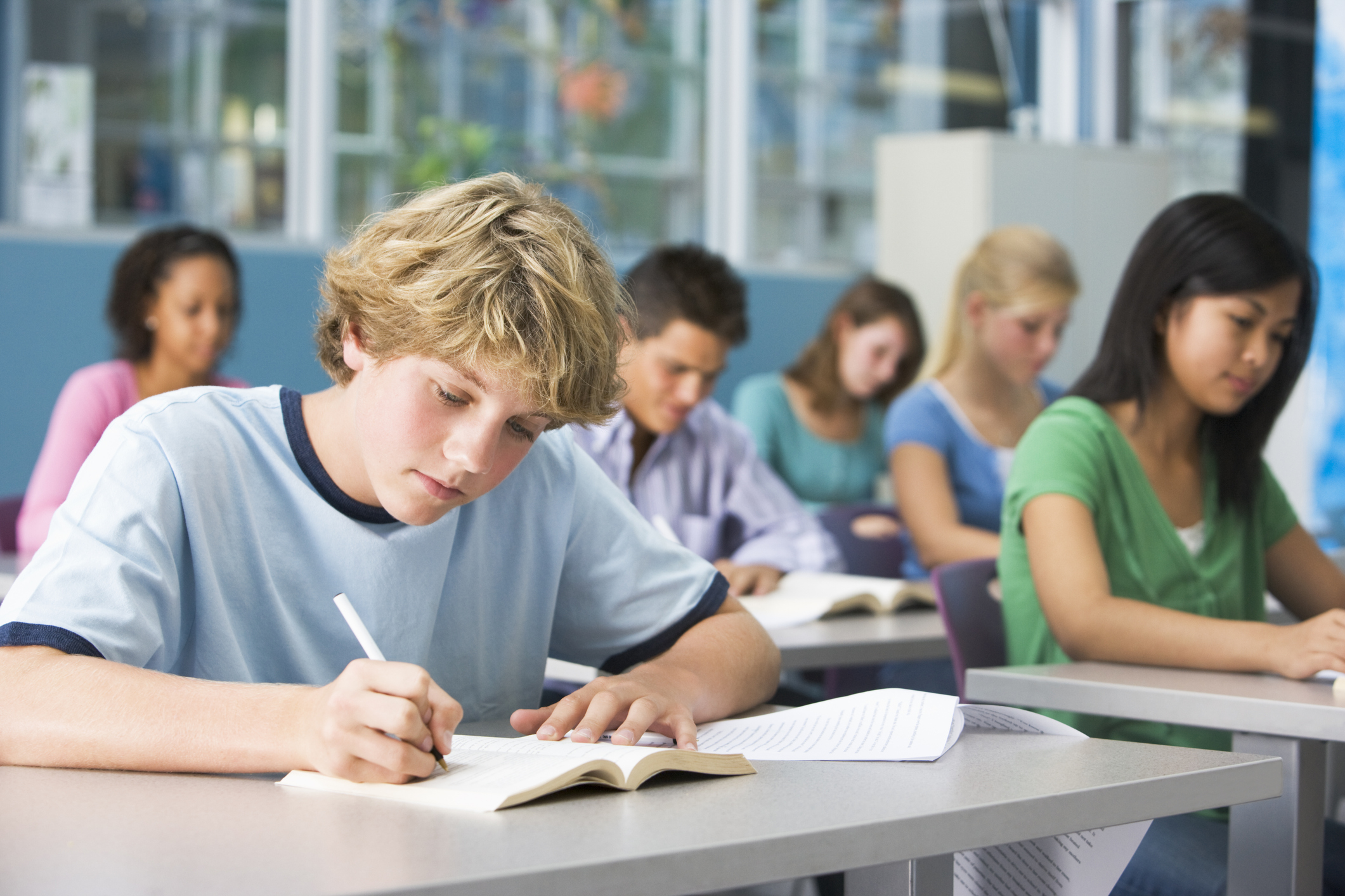 skipping school and responsibility of students The interviews revealed that most students face few or minor immediate consequences for skipping school, and many do not think missing class impacts their grades, their chances of graduating, or whether they'll attend college.
